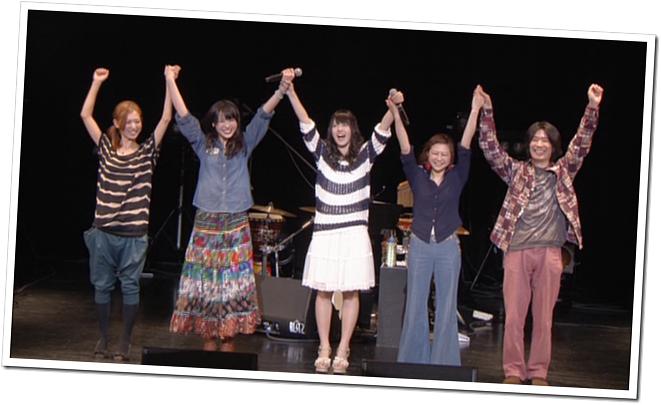 Yajima Maimi & Suzuki Airi in Acoustic Live @ Yokohama Blitz (27)