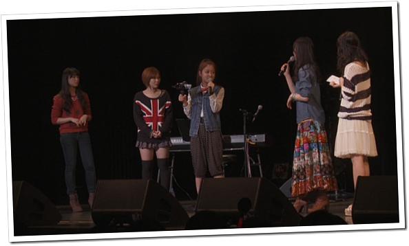 Yajima Maimi & Suzuki Airi in Acoustic Live @ Yokohama Blitz (29)