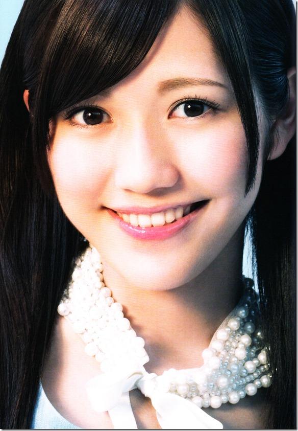 AKB48 1830m booklet (35)