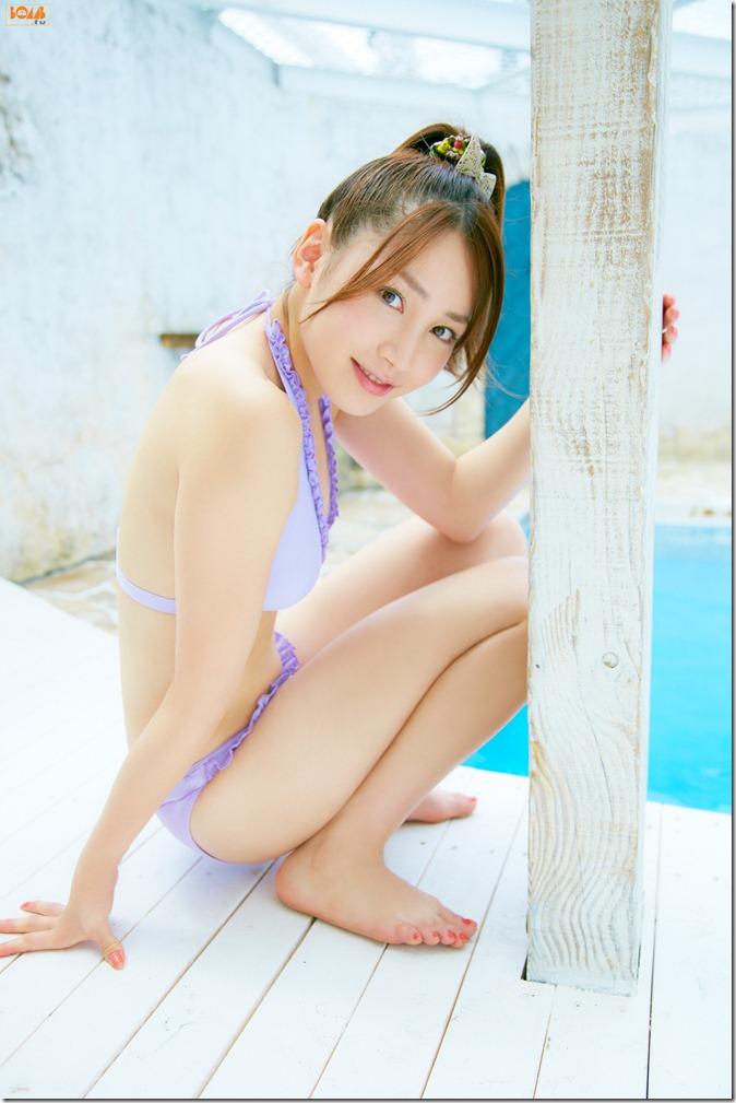 Kikkawa Yuu in Bomb tv first gravure (13)