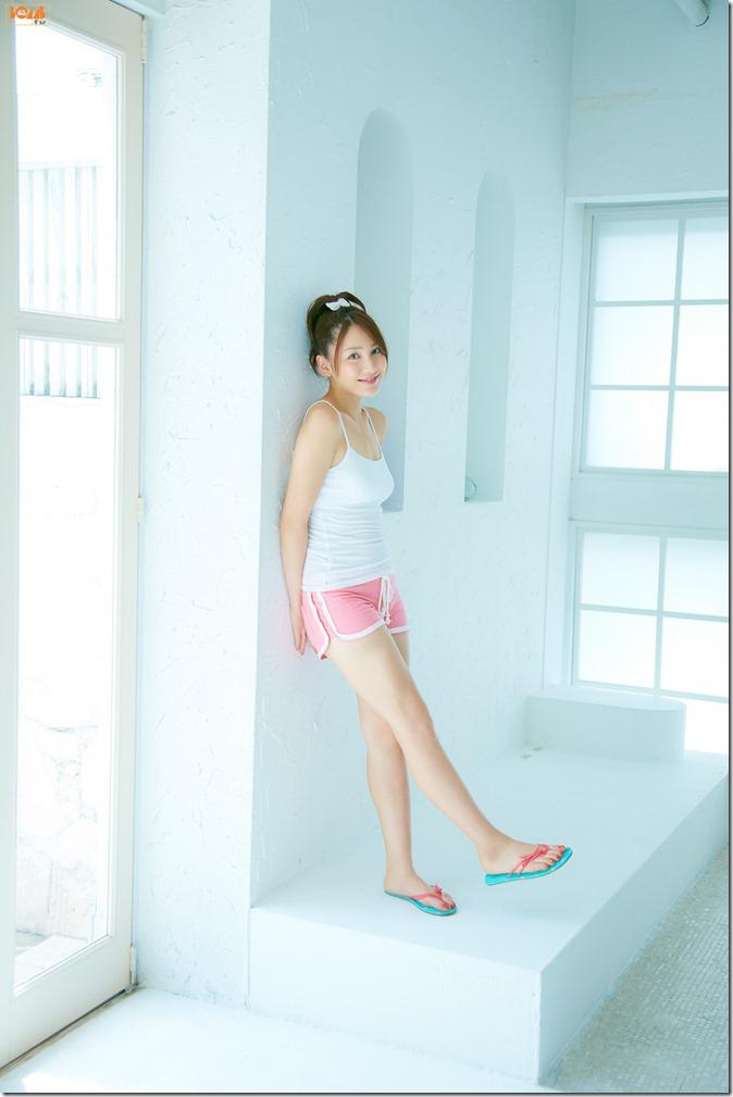 Kikkawa Yuu in Bomb tv first gravure (20)