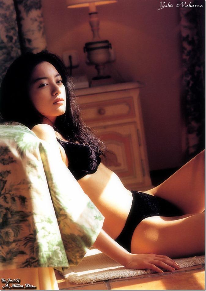 Nakama Yukie (May 2000)20