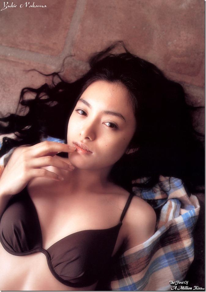 Nakama Yukie (May 2000)5