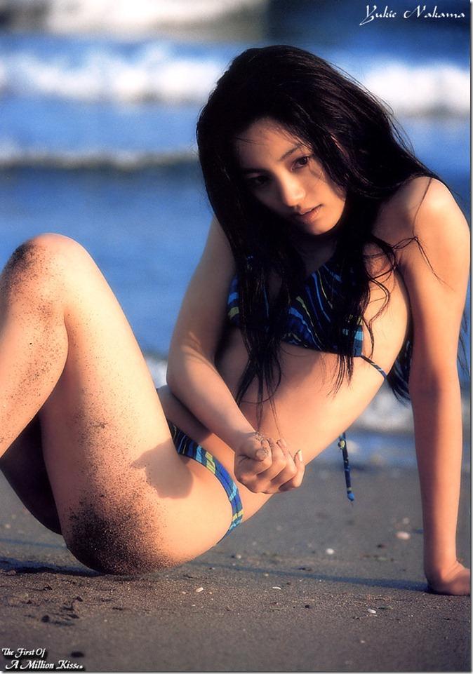 Nakama Yukie (May 2000)8