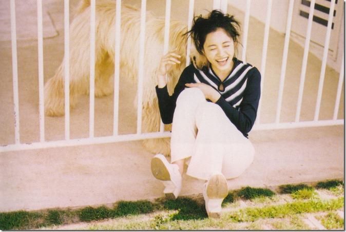 Nakama Yukie Tooi hi no melody (booklet scan8)