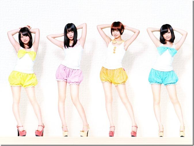 AKB48 2013 Official Calendar Box (scan) (15)
