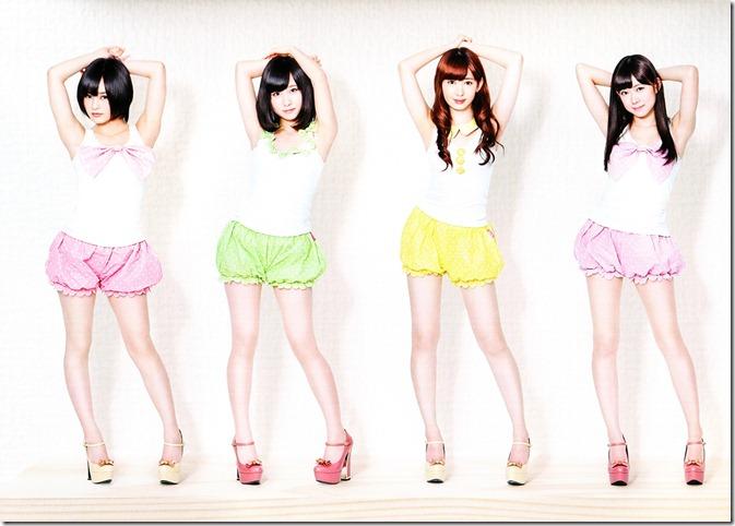 AKB48 2013 Official Calendar Box (scan) (16)