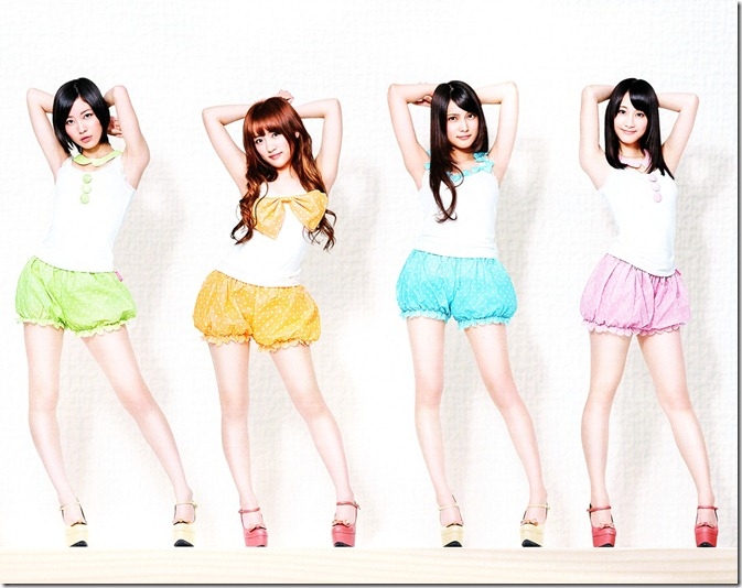 AKB48 2013 Official Calendar Box (scan) (18)
