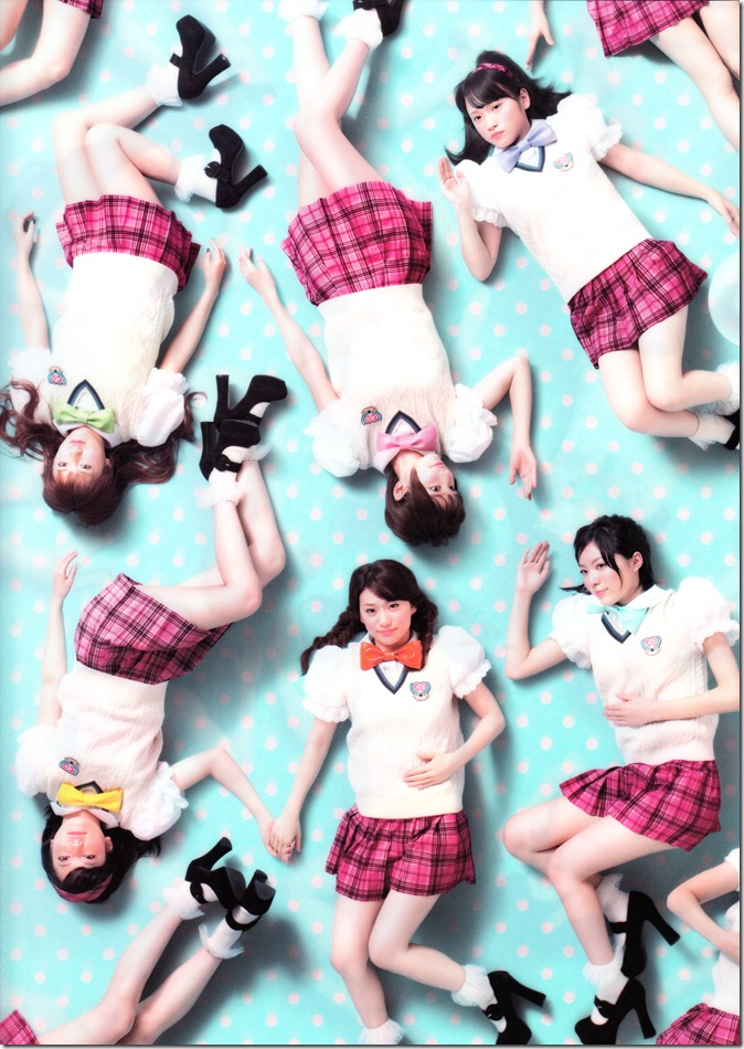 AKB48 2013 Official Calendar Box (scan) (1)