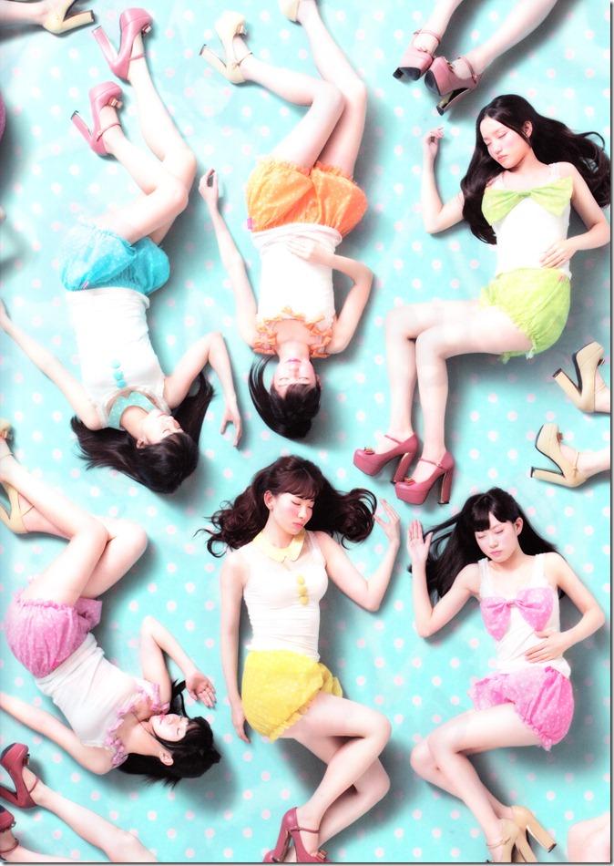AKB48 2013 Official Calendar Box (scan) (2)