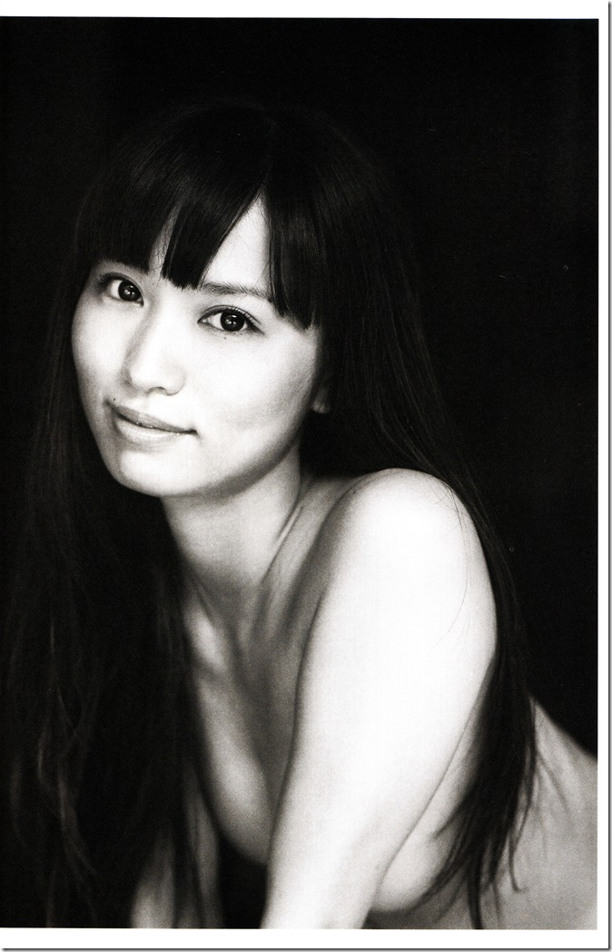 Ichikawa Yui shashinshuu Origine (48)