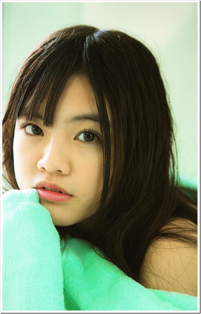 HKT48's Motomura Aoi in UTB January 2013