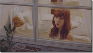 Kasai Tomomi in Masaka (music video) (11)
