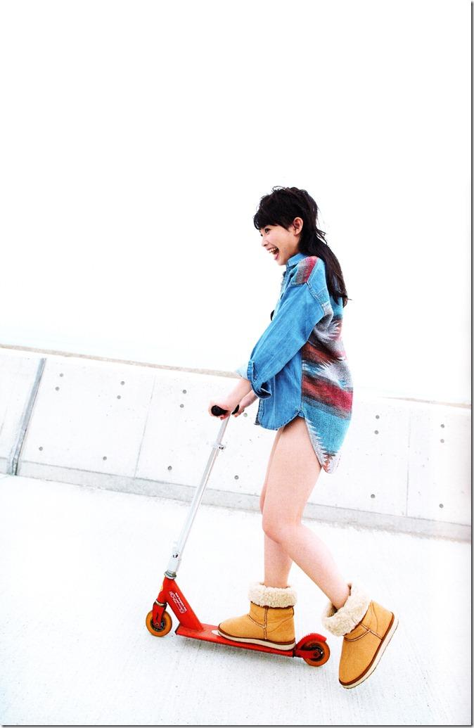 中島早貴ソロ写真集なかさん (23)