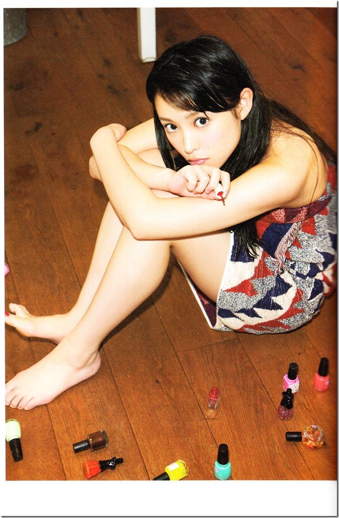 中島早貴ソロ写真集なかさん (43)