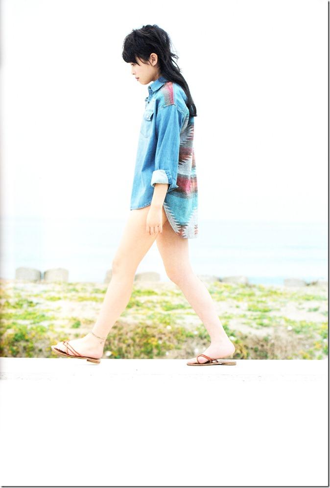 中島早貴ソロ写真集なかさん (76)