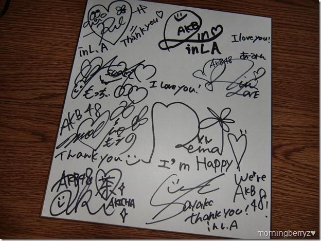 AKB48 autographs