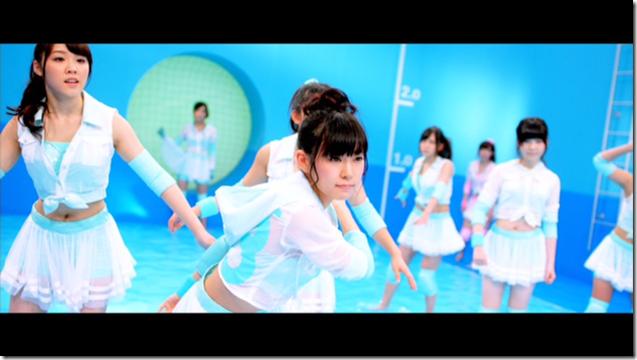 AKB48 in sokode inu no unchi funjyaukane (33)