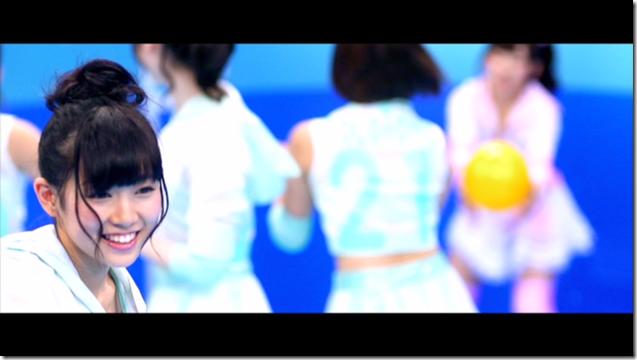 AKB48 in sokode inu no unchi funjyaukane (53)