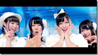 AKB48 in sokode inu no unchi funjyaukane (55)