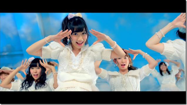 AKB48 in sokode inu no unchi funjyaukane (6)