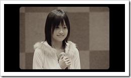 Maeda Atsuko in Sakura no hanabira (42)