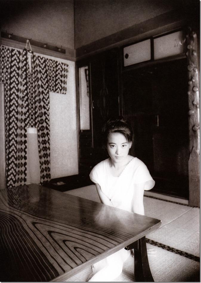 Mochida Maki Ihatov shashinshuu (13)