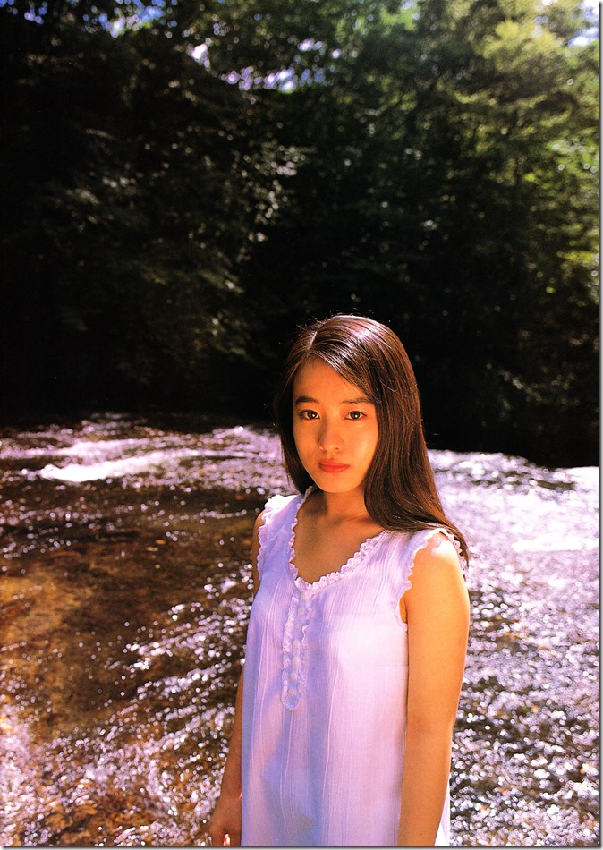 Mochida Maki Ihatov shashinshuu (21)