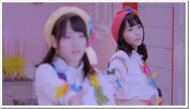 Sashihara Rino with Anrire Ikujinashi Masquerade (Rina center ver (1)