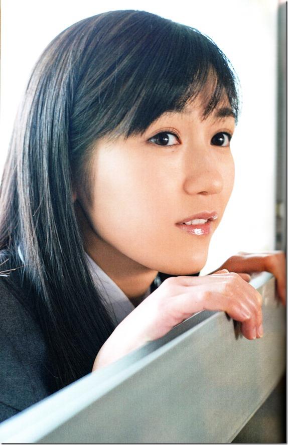 Watanabe Mayu 2nd shashinshuu Seifuku Zukan Saigo no Seifuku (61)