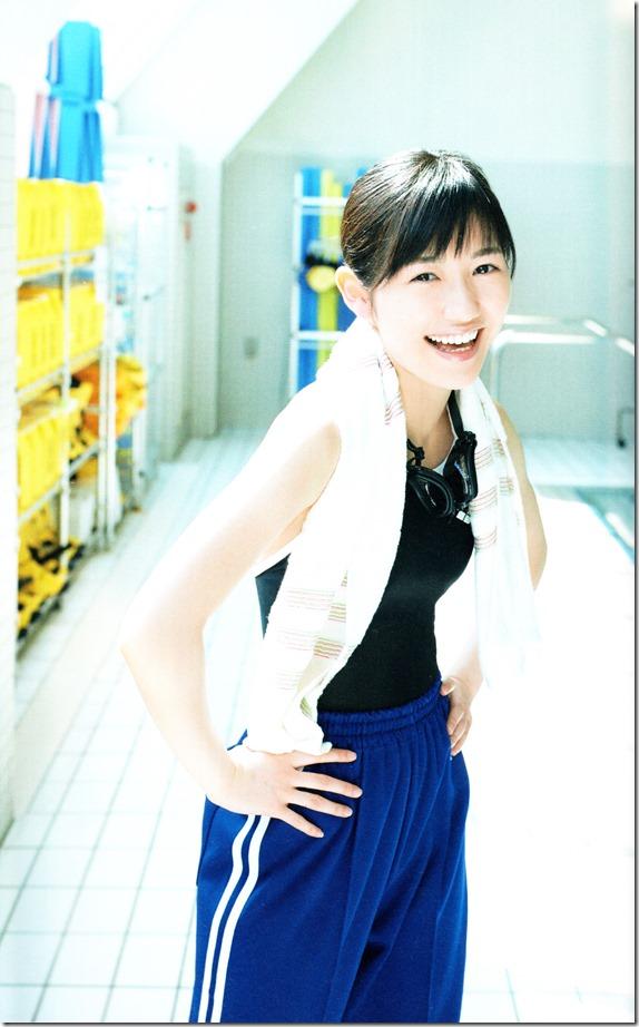 Watanabe Mayu 2nd shashinshuu Seifuku Zukan Saigo no Seifuku (74)