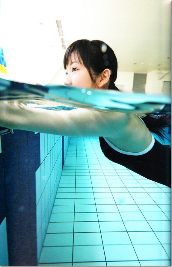 Watanabe Mayu 2nd shashinshuu Seifuku Zukan Saigo no Seifuku (83)