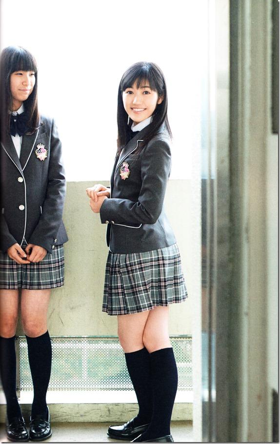Watanabe Mayu 2nd shashinshuu Seifuku Zukan Saigo no Seifuku (86)