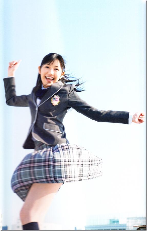 Watanabe Mayu 2nd shashinshuu Seifuku Zukan Saigo no Seifuku (92)