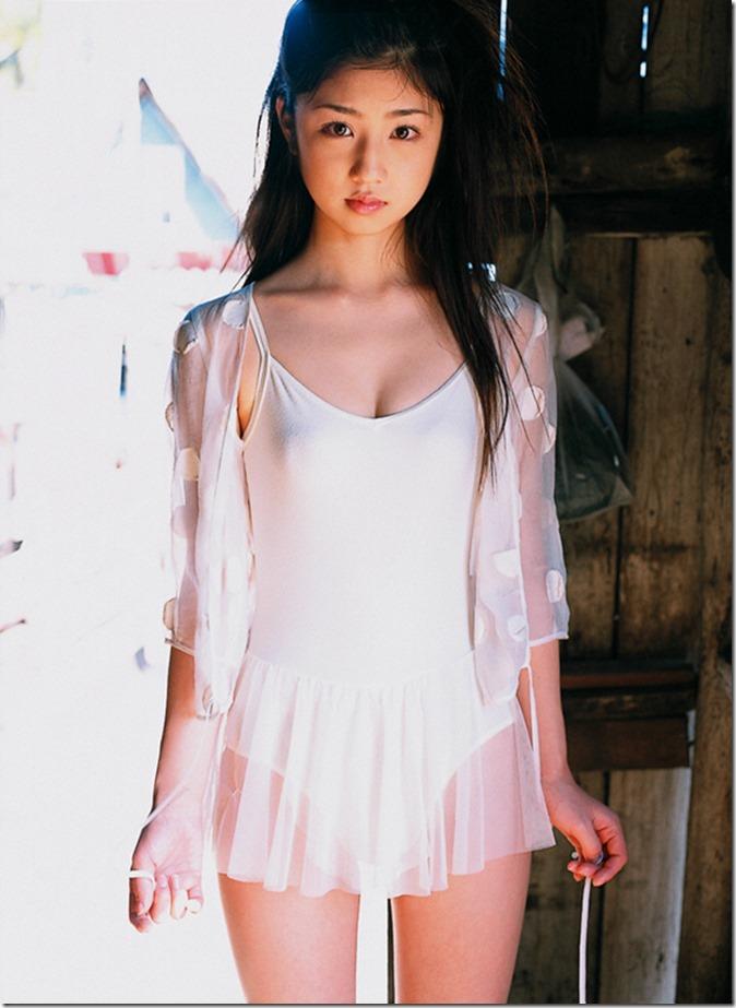 小倉優子 (83)