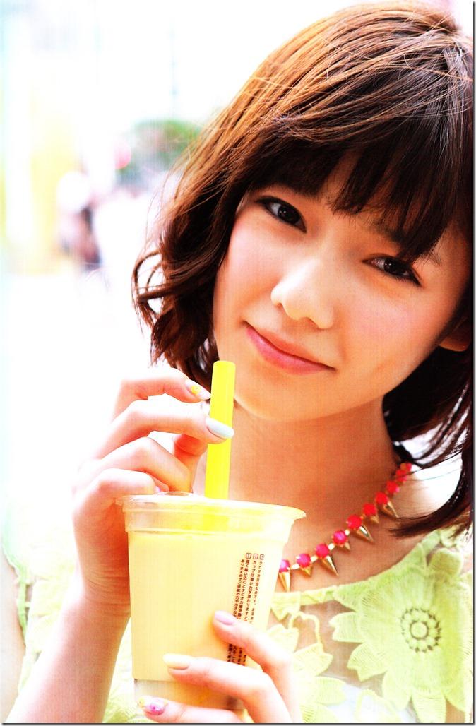 Shimazaki Haruka first photo book Paruru, Komaru (115)