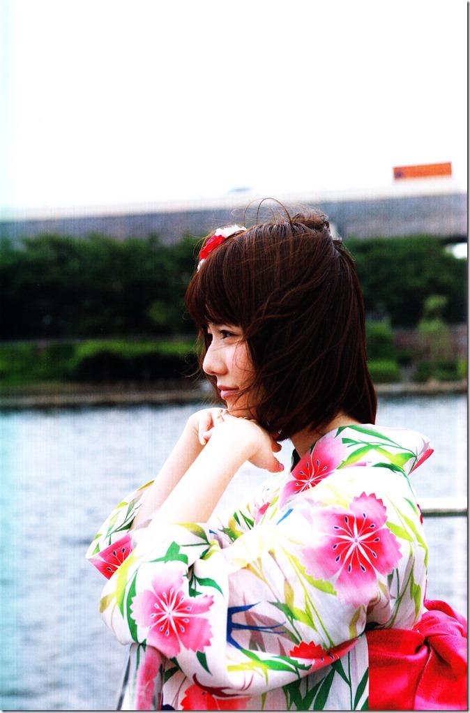Shimazaki Haruka first photo book Paruru, Komaru (123)