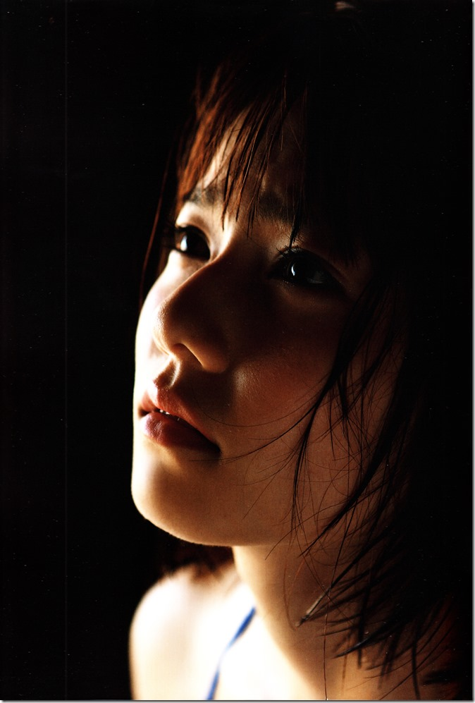Shimazaki Haruka first photo book Paruru, Komaru (20)