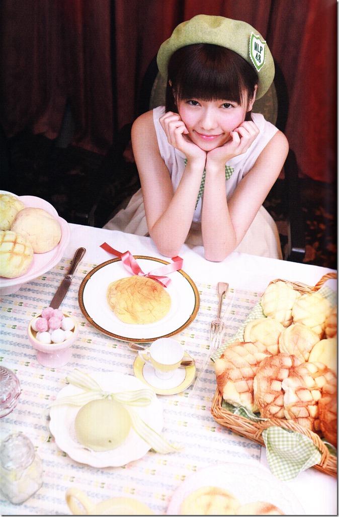 Shimazaki Haruka first photo book Paruru, Komaru (69)
