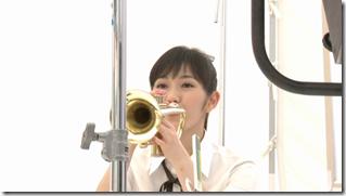 Watanabe Mayu in Rappa Renshuuchuu making of (7)