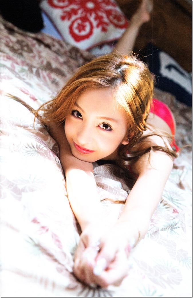 Itano Tomomi Tomochin AKB48 sotsugyou kinen shashinshuu (13)