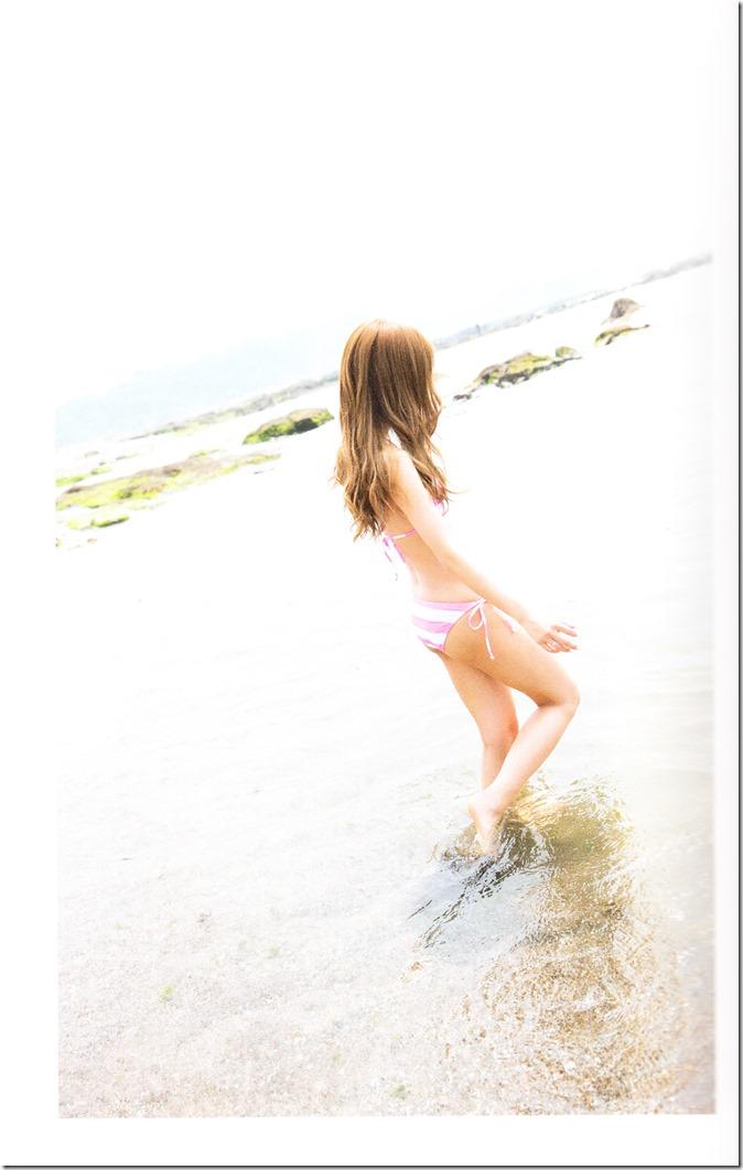 Itano Tomomi Tomochin AKB48 sotsugyou kinen shashinshuu (38)