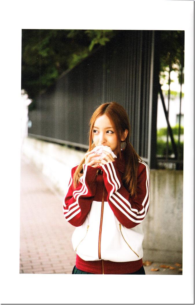 Itano Tomomi Tomochin AKB48 sotsugyou kinen shashinshuu (81)