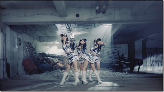 C-ute Aitte motto zanshin (dance shot version) (9)