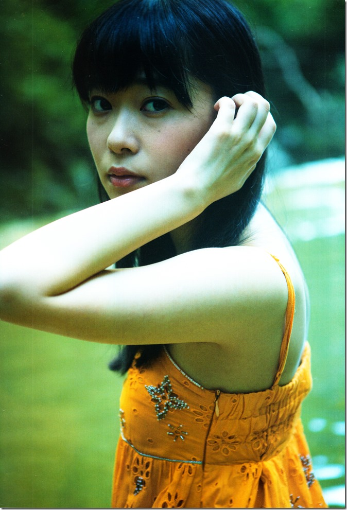 Sashihara Rino First Shashinshuu Neko ni maketa (102)