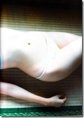 Sashihara Rino First Shashinshuu Neko ni maketa (110)
