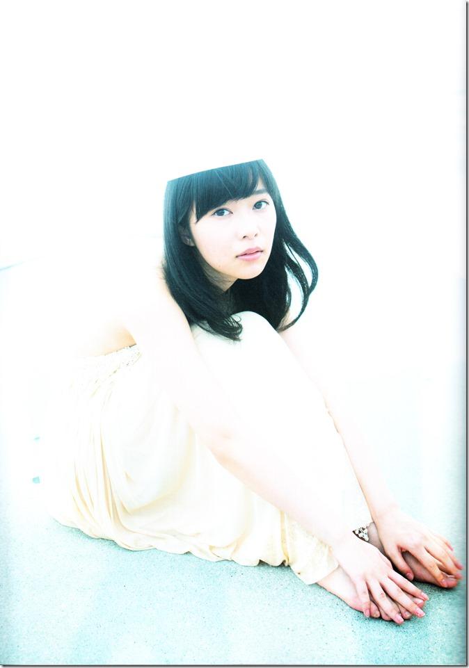 Sashihara Rino First Shashinshuu Neko ni maketa (120)