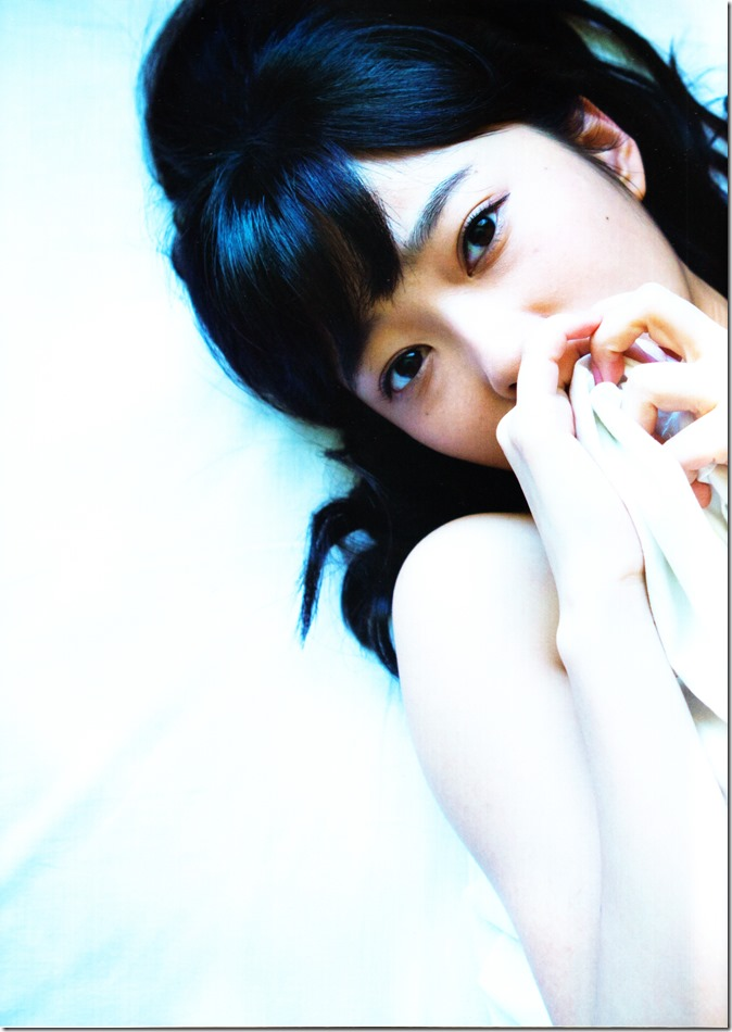 Sashihara Rino First Shashinshuu Neko ni maketa (147)