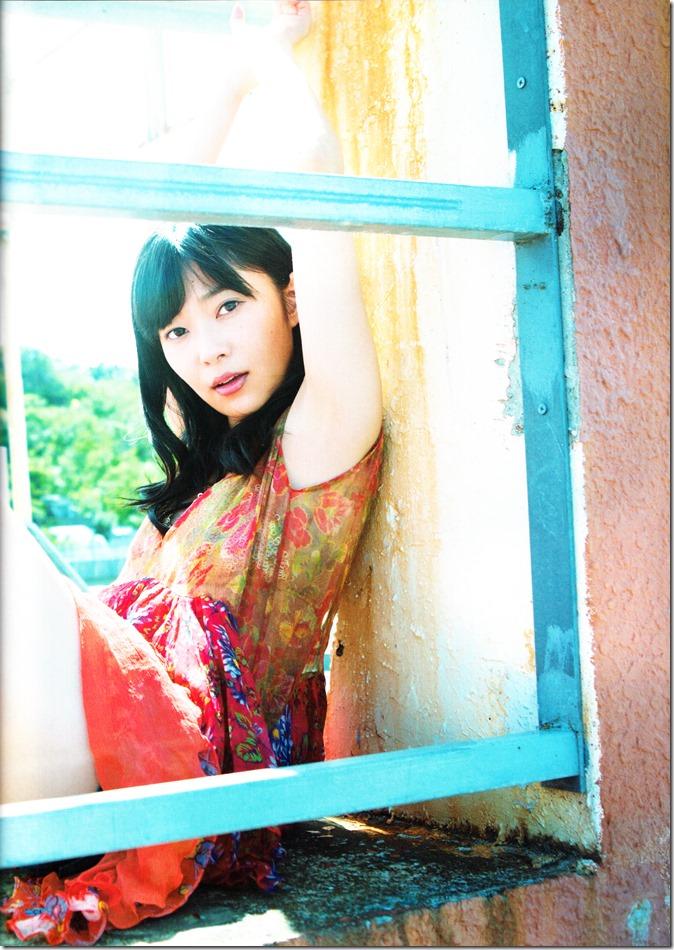 Sashihara Rino First Shashinshuu Neko ni maketa (21)