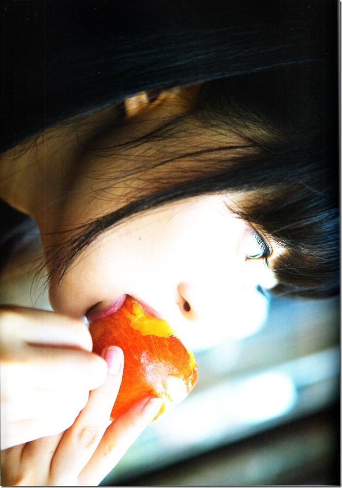 Sashihara Rino First Shashinshuu Neko ni maketa (60)